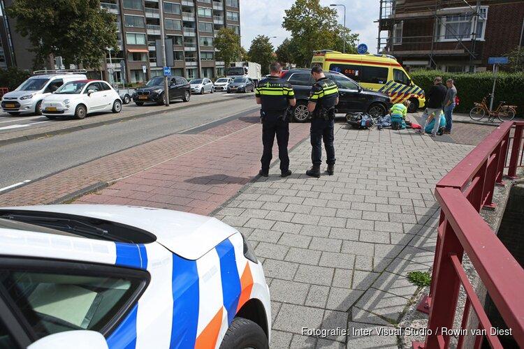 Afslaande automobilist ziet scooterrijder over het hoofd in Heemstede