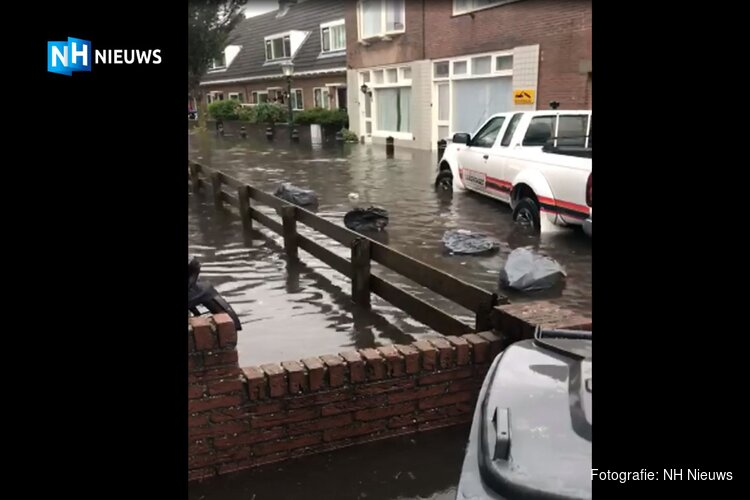Zandvoort 'the day after' de hoosbui: drogende deurmatten en ondergelopen kelders