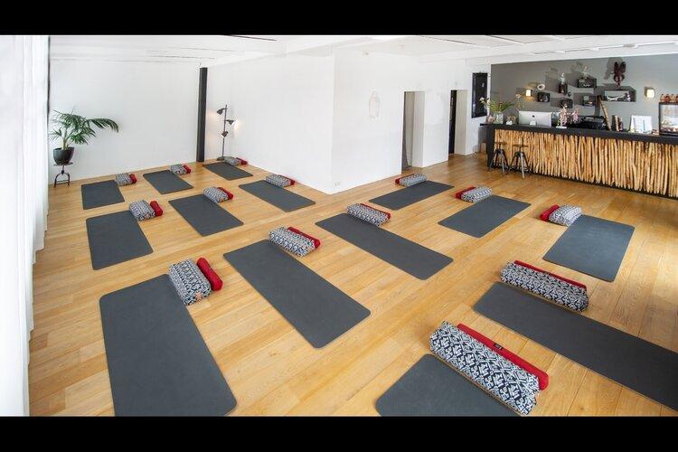 Zenzo Yoga studio in Zandvoort, Yoga voor iedereen...en nog veel meer..