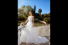 De mooiste betaalbare trouwjurken bij Wedding Wonderland bruidswinkels