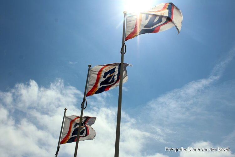 Verstappen rijdt als eerste op vernieuwd circuit Zandvoort