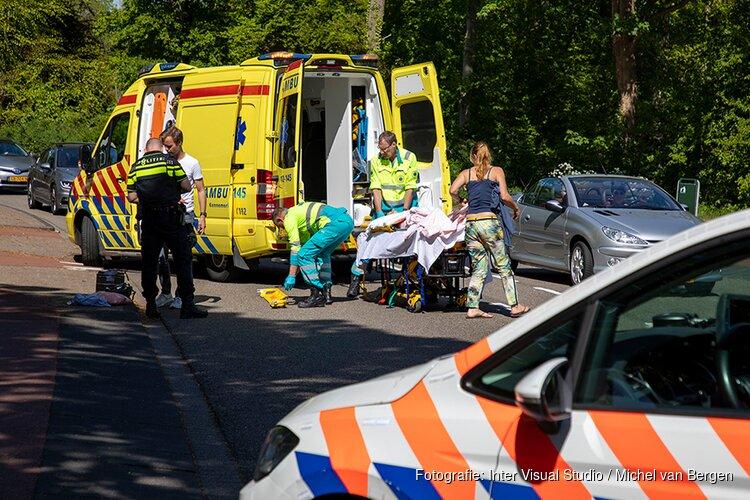 Wielrenner gewond na botsing met overstekend meisje