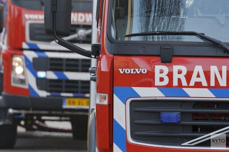 Zandvoorter probeert brandende Mercedes vergeefs met tuinslang te blussen